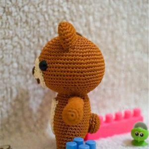 Boneka Rajut Amigurumi menjadi alternatif hadiah ulang tahun dan pernikahan. Boneka rajut murah boneka beruang warna cokelat..