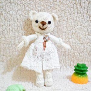 boneka rajut beruang putih manis banget